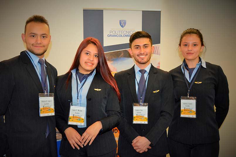 Estudiantes de Programa de Aerolíneas