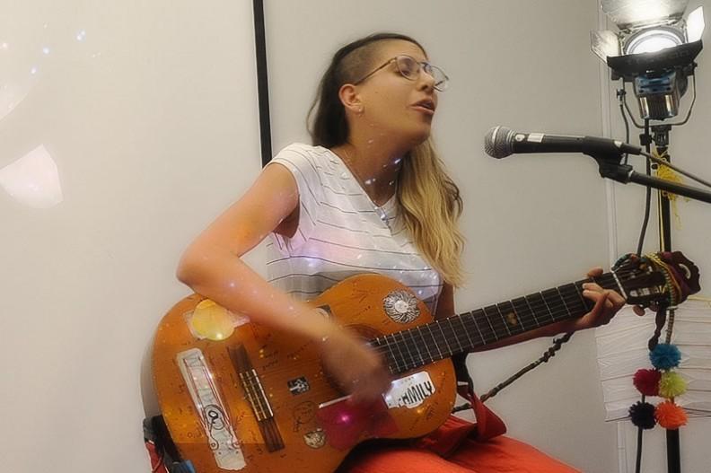 Amore Herrera Cantante