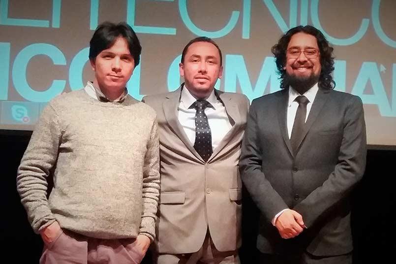 Juan Carlos Ruiz Urquijo,Fabián Leonardo Quinche y Alejandro Romero hablando sobre Contabilidad Ambiental