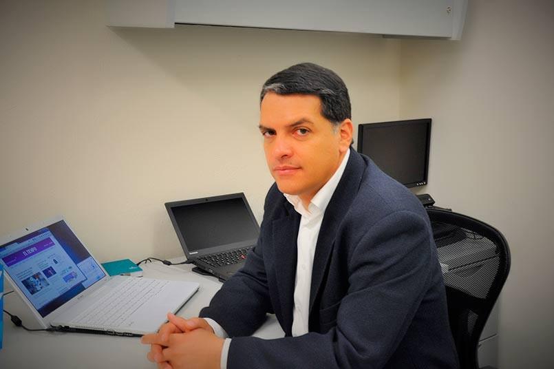 Juan David Castro García director del programa de Derecho  de la Facultad de Ciencias Sociales