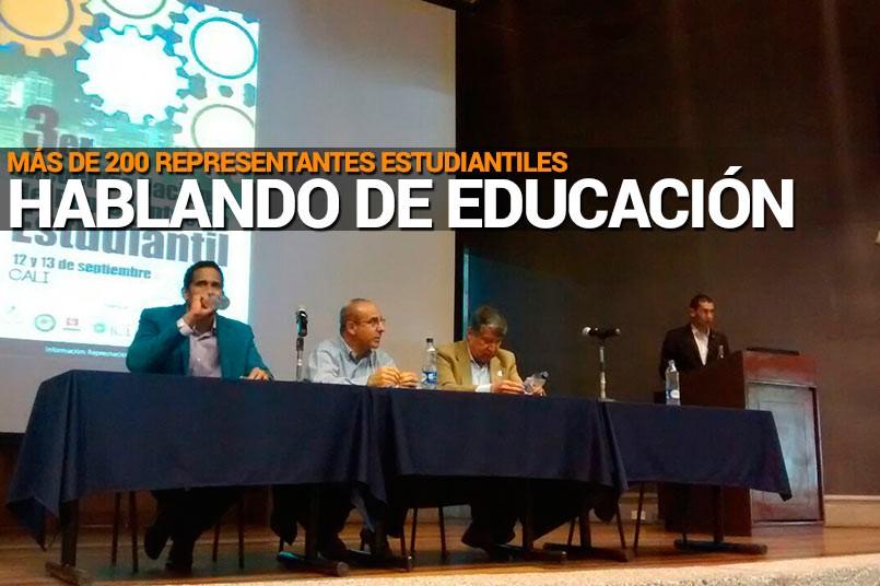 Más de 200 representantes estudiantiles hablando de educación