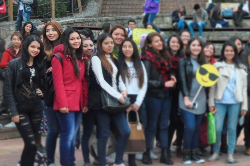 Estudiantes del convenio Arturo Tejada- Poli