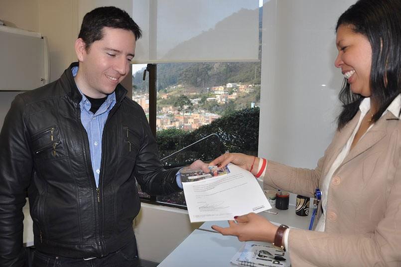 Andrés Henao fue un ganador de estos dos concursos liderados por el Programa Virtual en Tecnología