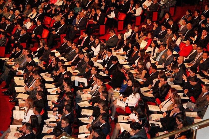 Grados del Poli en el Teatro Colsubsidio Roberto Arias Pérez