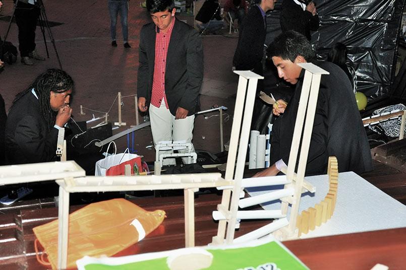 Las máquinas de Goldberg interactuando con los estudiantes