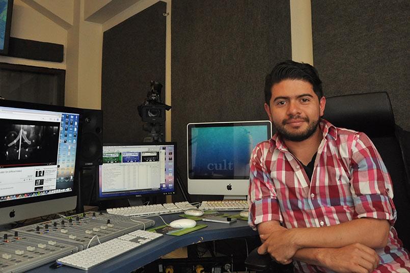 John Rodriguez editor de sonido y encargado de la plataforma tecnológica