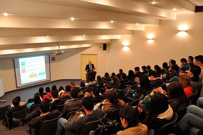 Estudiantes del Politecnico Grancolombiano - conferencia sobre Consumidor Financiero