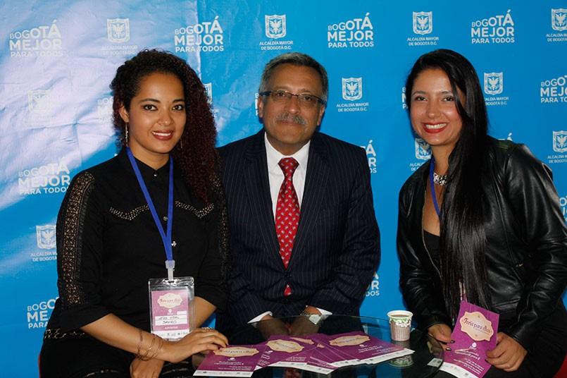 El profesor Ricardo Vega ha sido un apoyo vital para estas empresarias