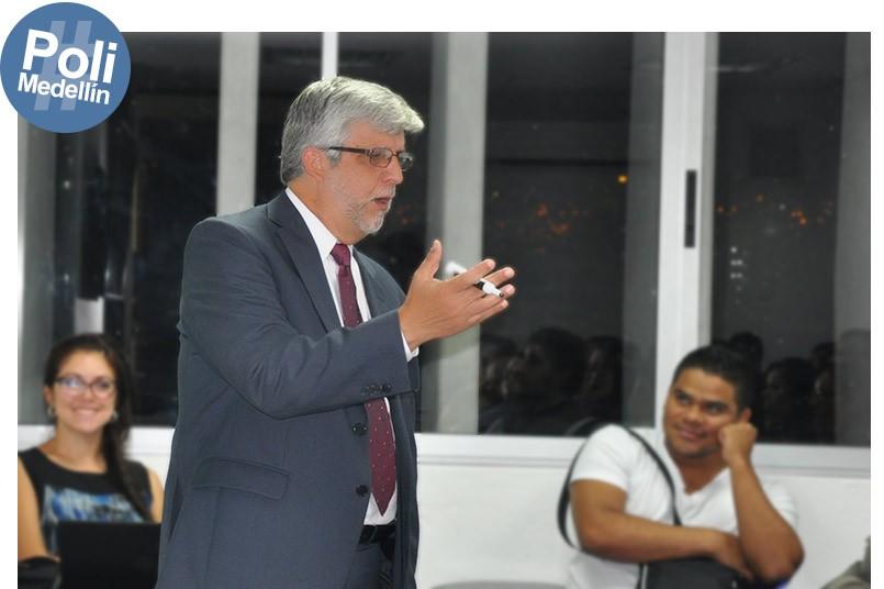 Se realizaron alrededor de 10 charlas en pro al crecimiento profesional de los estudiantes.