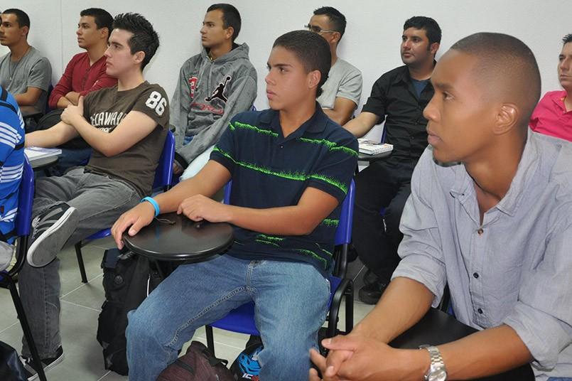 Seguimos generando espacios académicos que complementan la formación profesional.