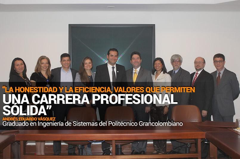 Andres Vásquez junto a directivos y decanos