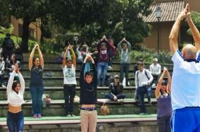 Bienestar Universitario brindó una clase de Yoga a todos sus estudiantes