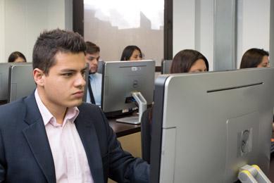 programa en la que los estudiantes manejan sus tiempos y areas de estudio con el politecnico